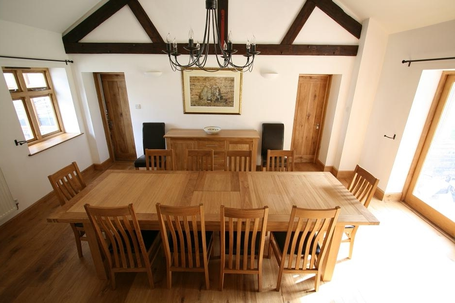 Solid Oak Dining Table Sets Throughout Well Liked Extending Oak Dining Tables And Chairs (View 16 of 20)