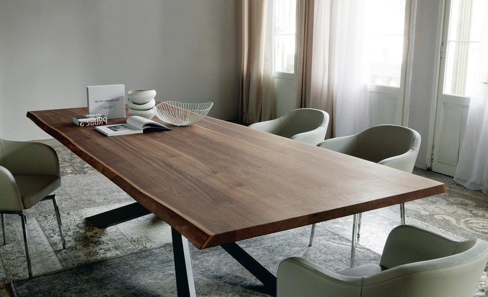 Solid Oak Dining Tables With Most Popular Get Best Solid Wood Dining Table – Bellissimainteriors (View 16 of 20)