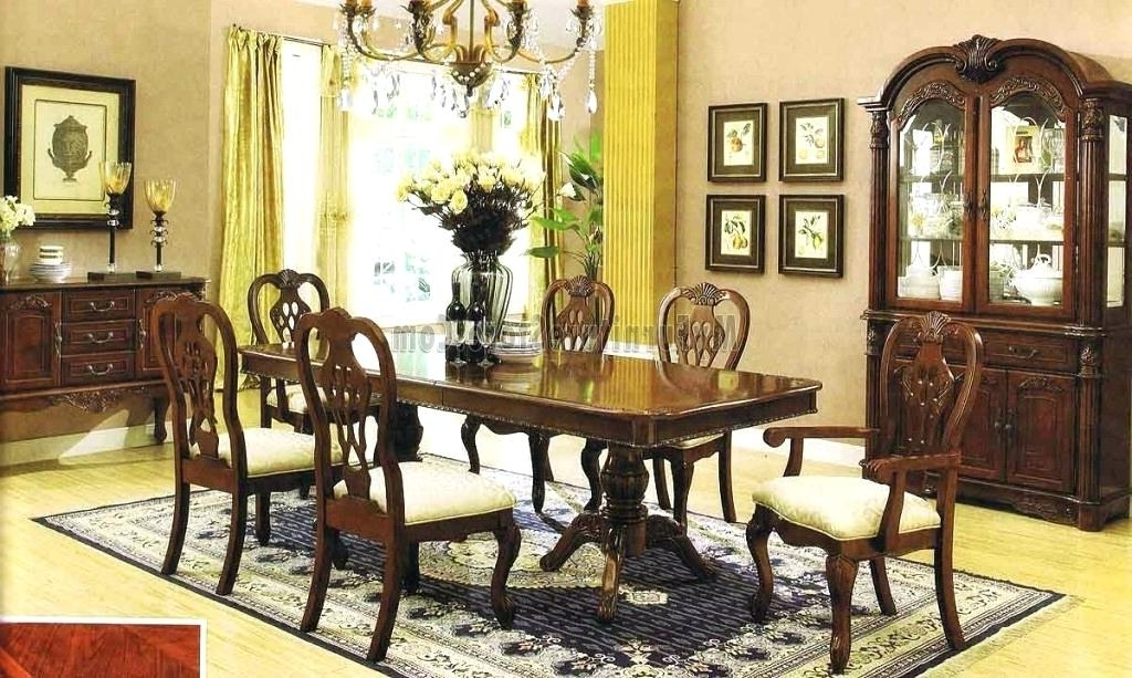 Traditional Dining Tables Inside Famous Stunning Traditional Dining Room Cherry Chairs Chair Covers Lighting (View 20 of 20)