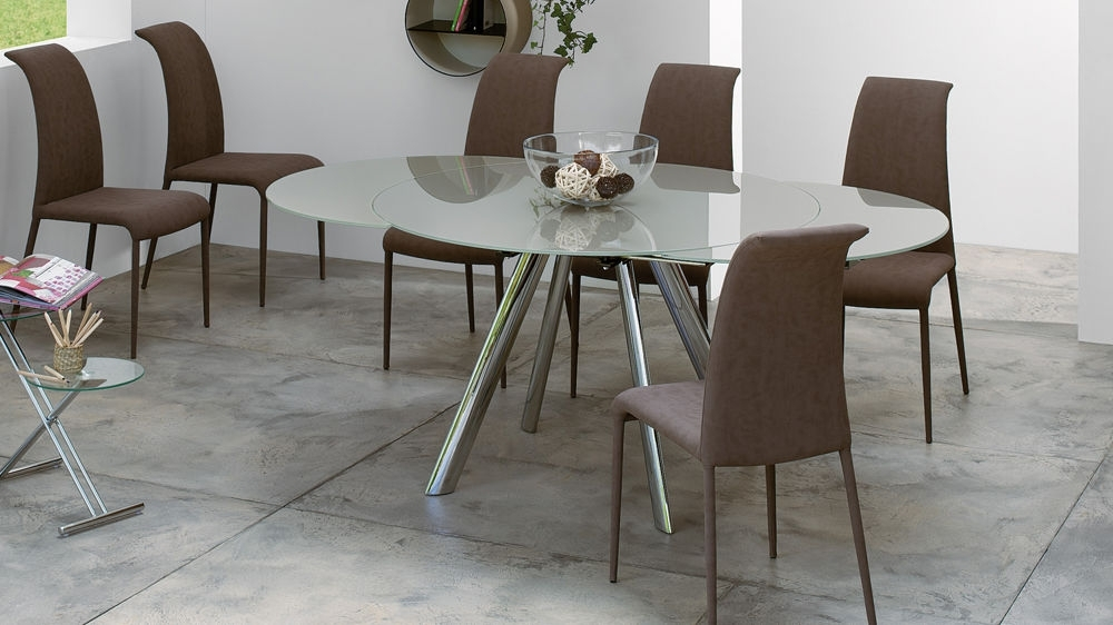 Trendy Extending Round Glass Dining Table (View 18 of 20)