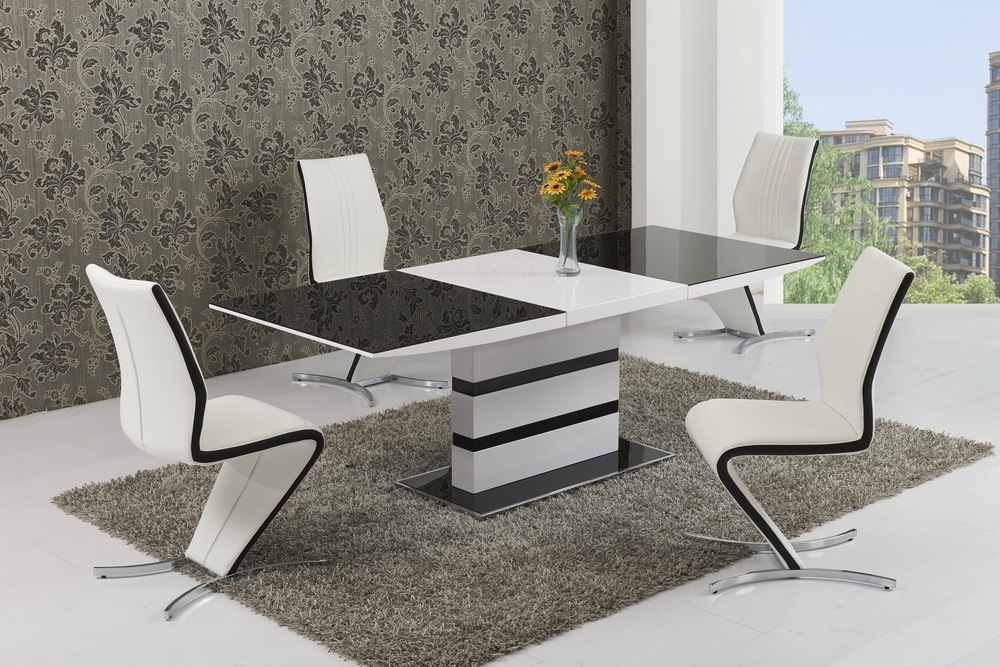 Trendy Extending White Gloss Dining Tables Regarding Small Glass White High Gloss Extendable Dining Table And 4 Chairs (View 18 of 20)