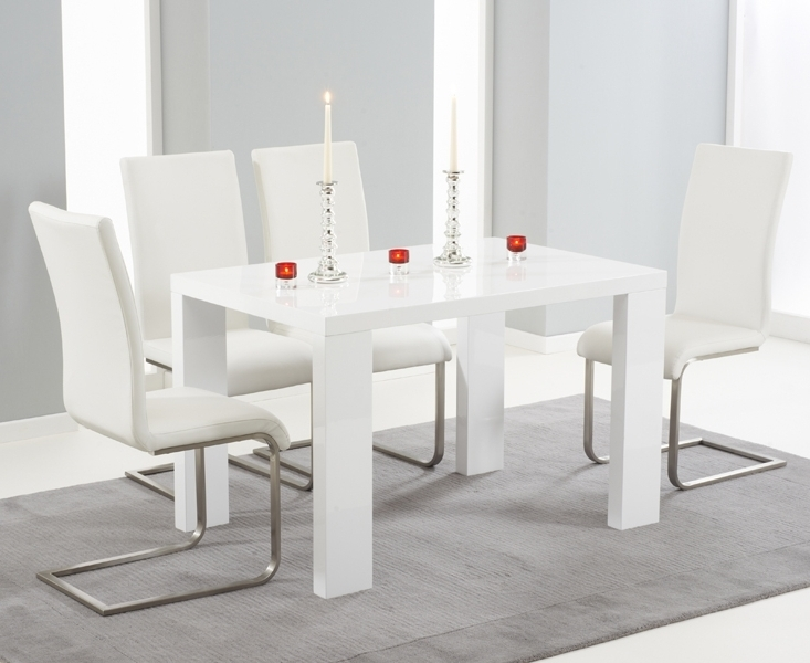 Trendy Forde White High Gloss 150Cm Dining Set With 4 Ivory White Boston Chairs With White Gloss Dining Sets (View 15 of 20)