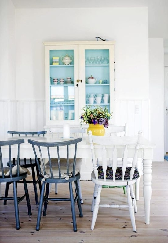 Trendy Scandinavian Dining Tables And Chairs Inside  (View 18 of 20)
