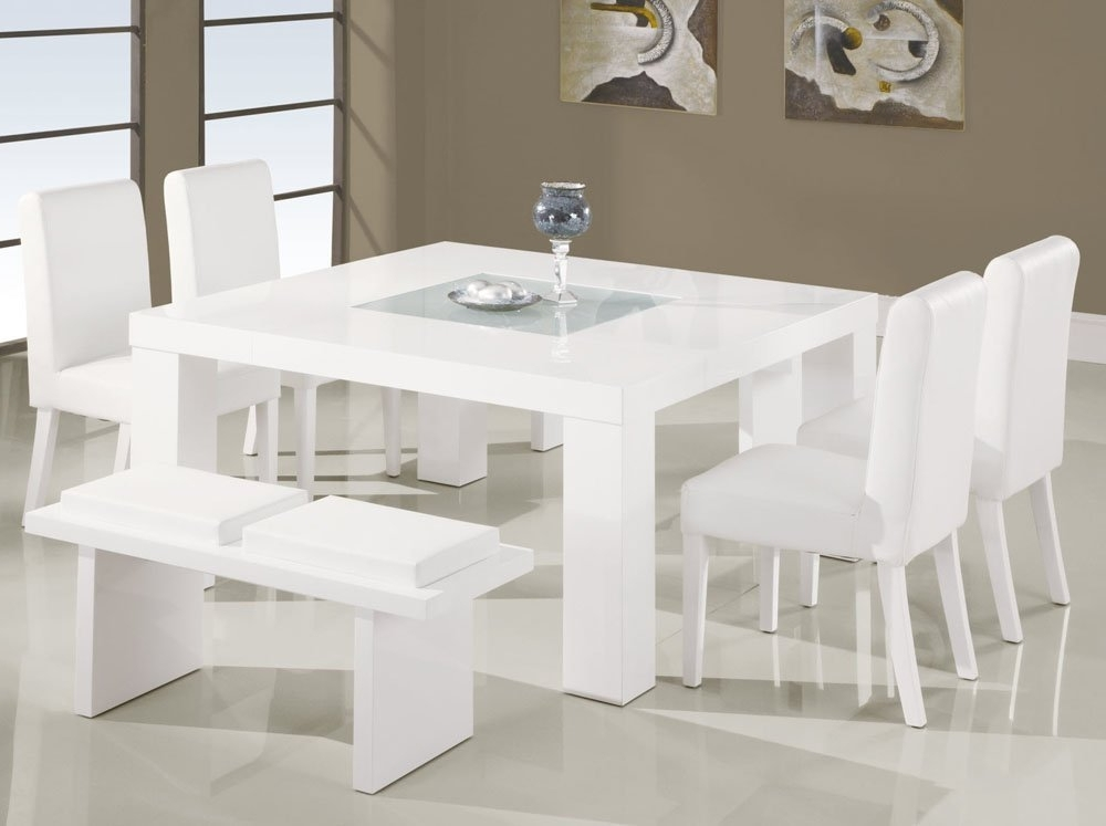 Use White Dining Room Table And Chairs For Your Small Family Size Within Well Known Small White Dining Tables (View 20 of 20)