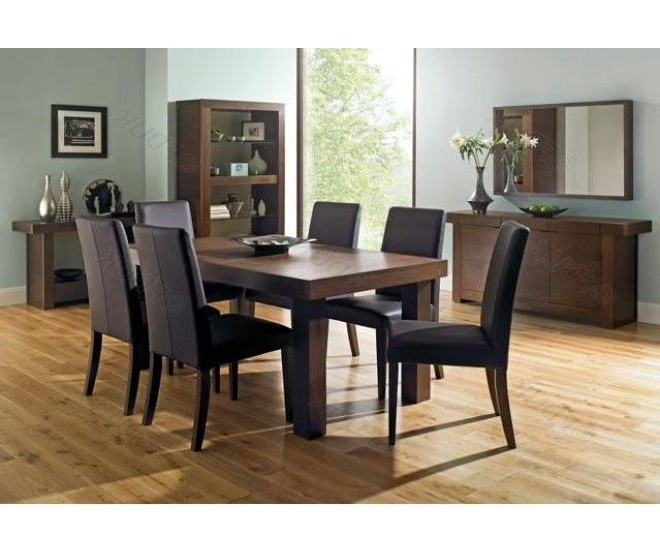 Walnut 4 6 Extension #table With 6 Chairs Has A Rectangular #dining Inside Popular Extending Dining Tables With 6 Chairs (View 16 of 20)