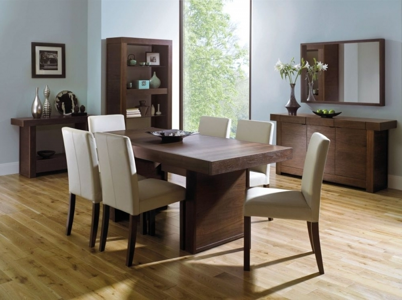 Walnut Dining Table And 6 Chairs Intended For Preferred Almara Walnut Extending Dining Tab Walnut Dining Table And 6 Chairs (View 15 of 20)