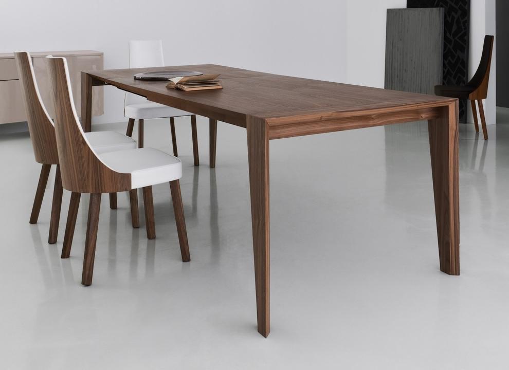 Walnut Dining Table For The Dining Room – Blogbeen With Regard To Most Current Walnut Dining Tables (View 15 of 20)