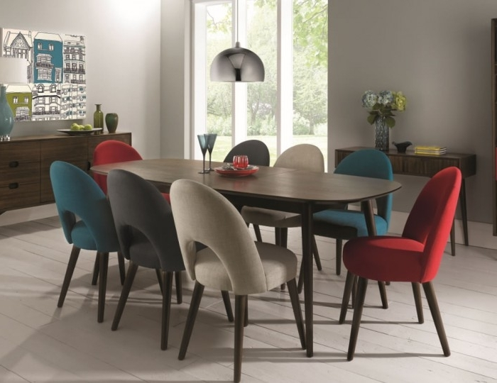 Walnut Dining Tables And 6 Chairs Throughout Well Liked Oslo Walnut Extending Dining Table And Chairs (View 17 of 20)