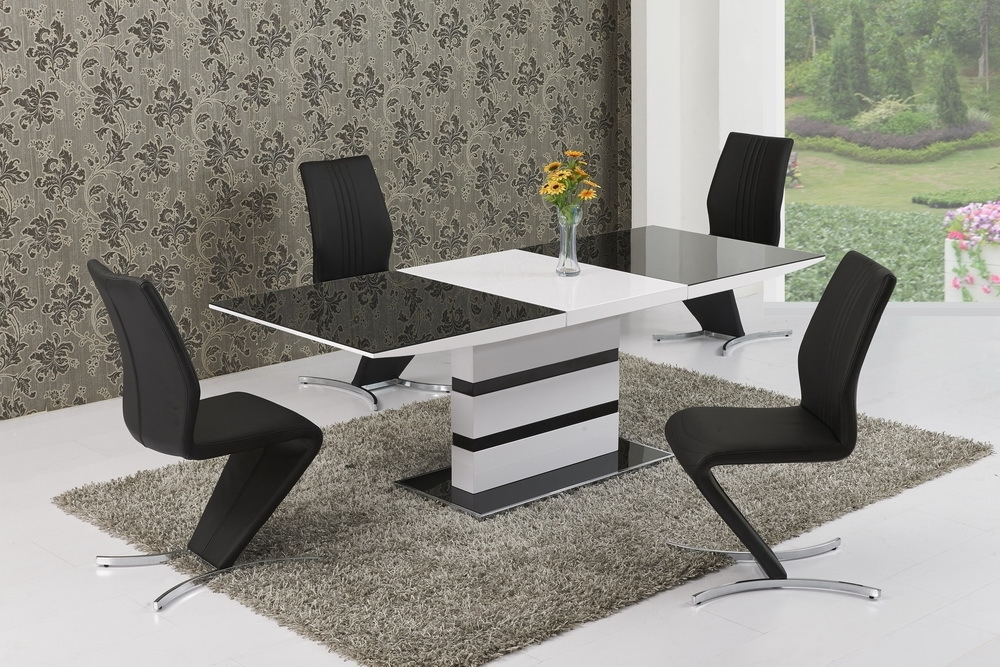 Well Known Black High Gloss Dining Tables And Chairs Throughout 220Cm Extending Black Glass White High Gloss Dining Table And  (View 18 of 20)