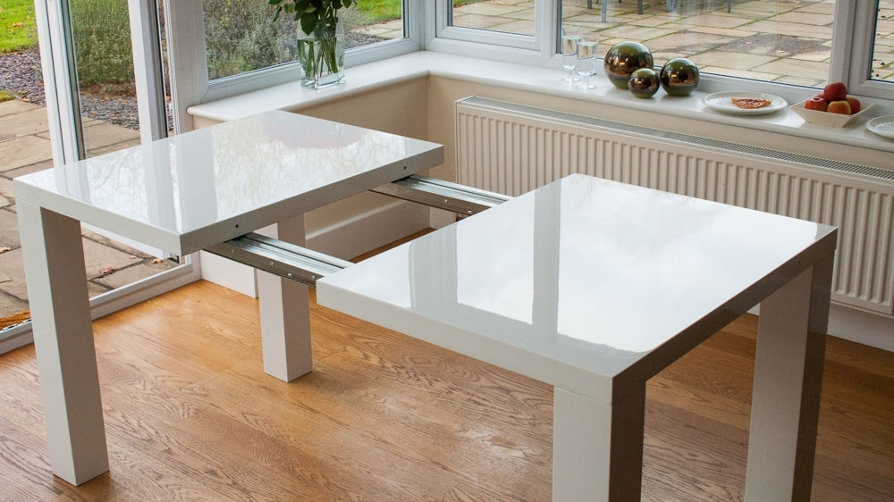 Well Known Extendable Dining Room Tables And Chairs Inside Modern White High Gloss Extending Dining Set (View 20 of 20)