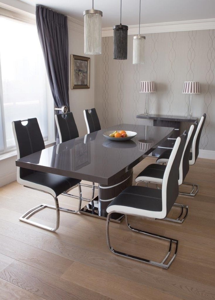 Well Known Grey Glass Dining Tables Throughout Greenapple Rimini High Gloss Extending Dining Table With Glass Top (View 19 of 20)