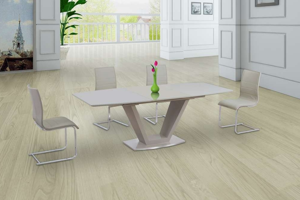 Well Liked Cream Glass High Gloss Extending Dining Table And 8 Gloss Chairs Throughout High Gloss Cream Dining Tables (View 20 of 20)