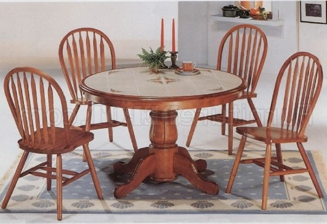Well Liked Round Oak Dining Tables And Chairs With Regard To Classic Oak Dining Room Round Table & Deluxe Arrow Back Chairs (View 20 of 20)