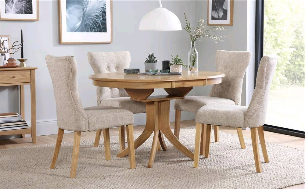 Well Liked Round Oak Extending Dining Table And Chairs (View 9 of 20)