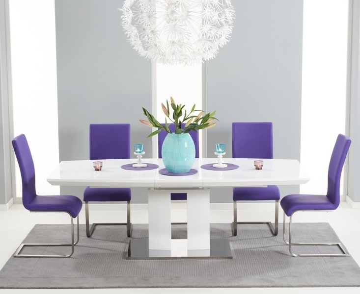 White Extendable Dining Tables For Famous Courbe White High Gloss Extendable Dining Table (View 10 of 20)