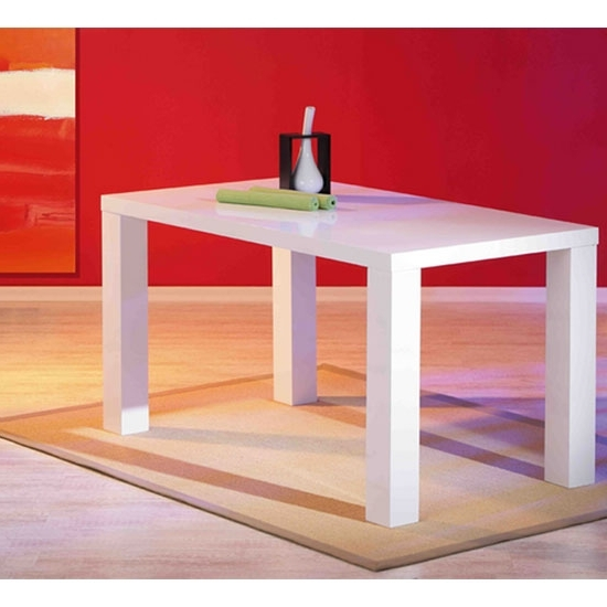 White Gloss Dining Tables 140Cm Within Widely Used Guiseppe High Gloss Dining Room Table In White  (View 20 of 20)