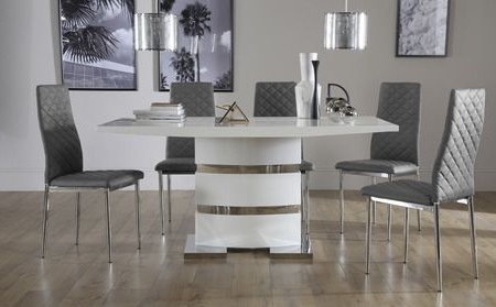 White High Gloss Dining Tables And Chairs Throughout Widely Used Komoro White High Gloss Dining Table With 6 Renzo Grey Chairs (View 9 of 20)