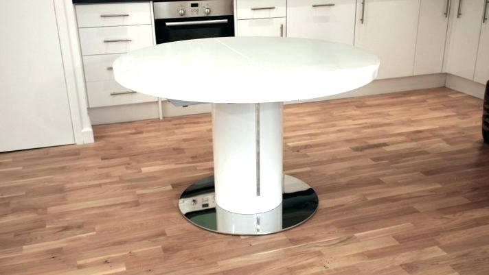 White Round Extending Dining Table Oval Within Extendable At Tables Within Best And Newest White Round Extendable Dining Tables (View 8 of 20)