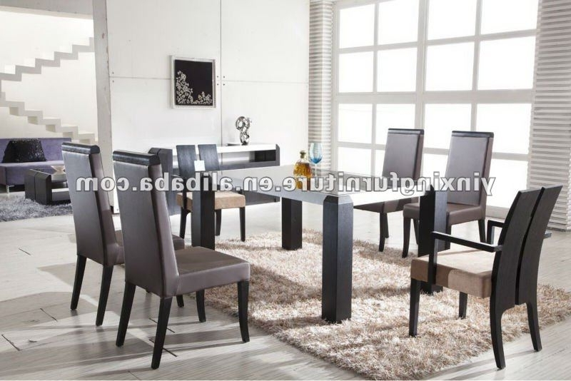 Widely Used Modern Black Glass Dining Table With Wooden Legs Yg108 Shop For Sale Throughout Glass Dining Tables With Wooden Legs (View 20 of 20)