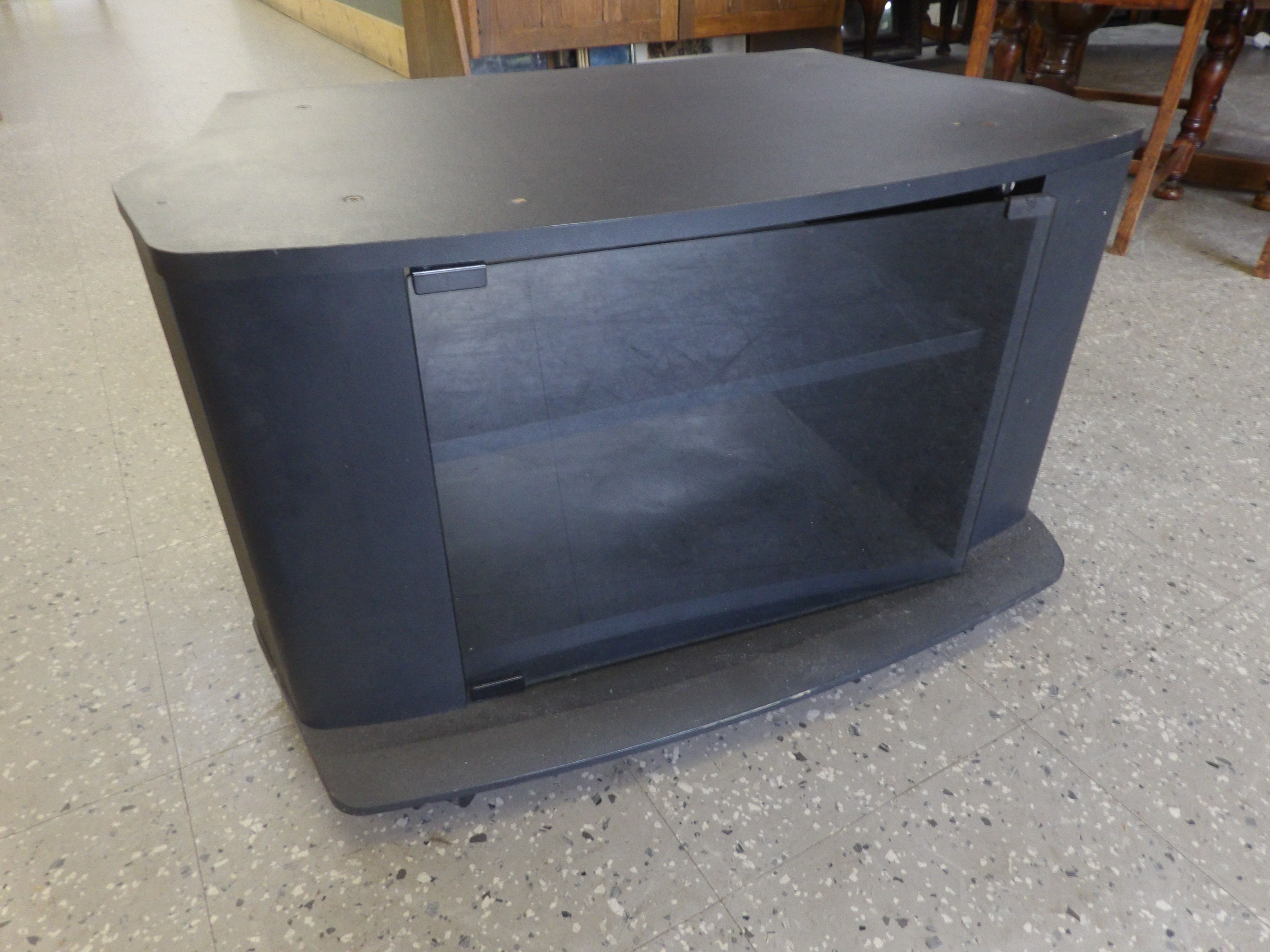 2017 Glass Fronted Tv Cabinet Inside Glass Fronted Television Cabinet With Shelves —— Good Condition (Gallery 15 of 20)