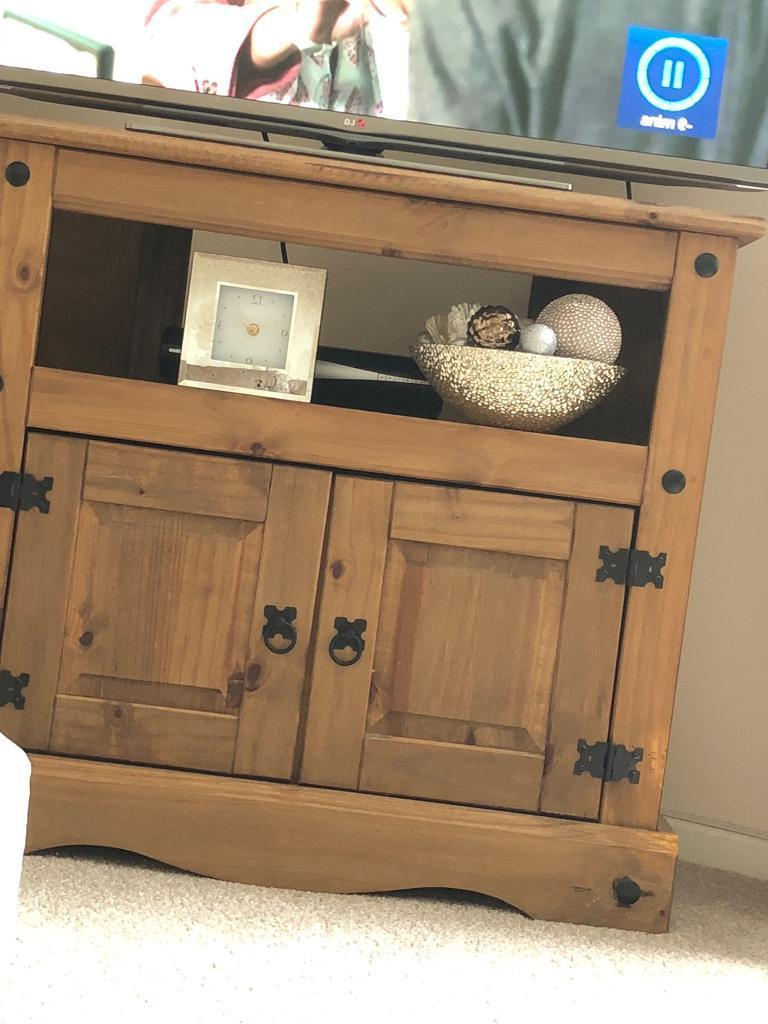 2018 Corona Pine Tv Corner Unit (View 2 of 20)