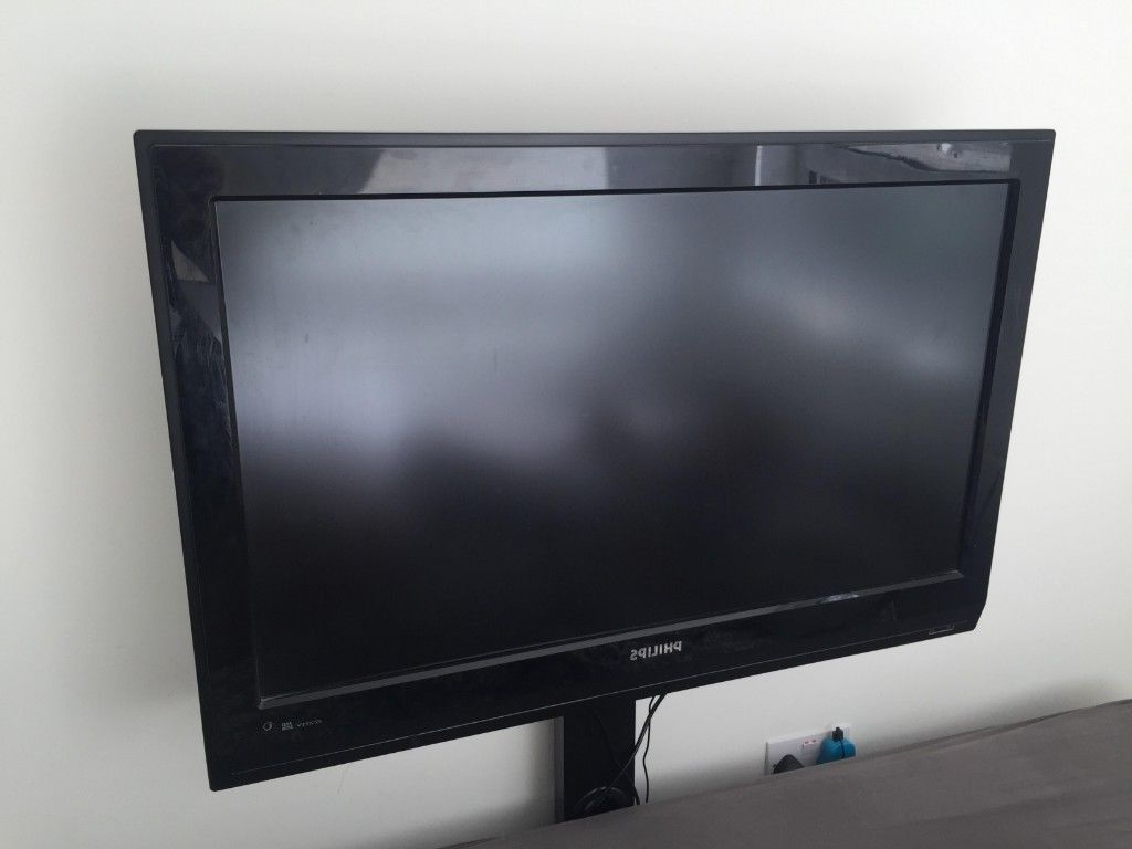 40 Inches Philips Tv With Tv Stand (Gallery 8 of 20)