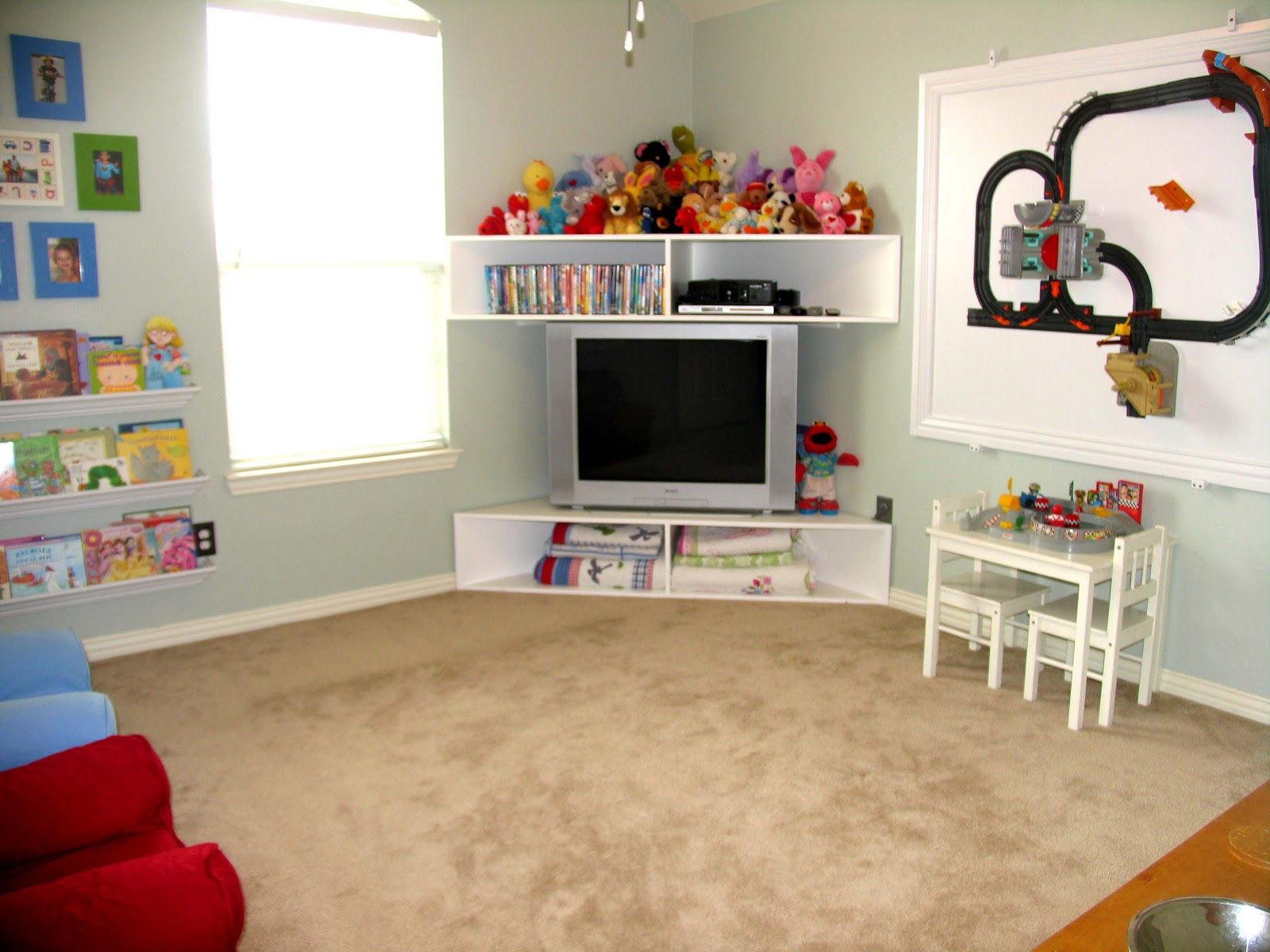 Best Woodworking Plans Free: Pottery Barn Kids Train Table Wooden Plans Throughout Well Known Playroom Tv Stands (Gallery 19 of 20)