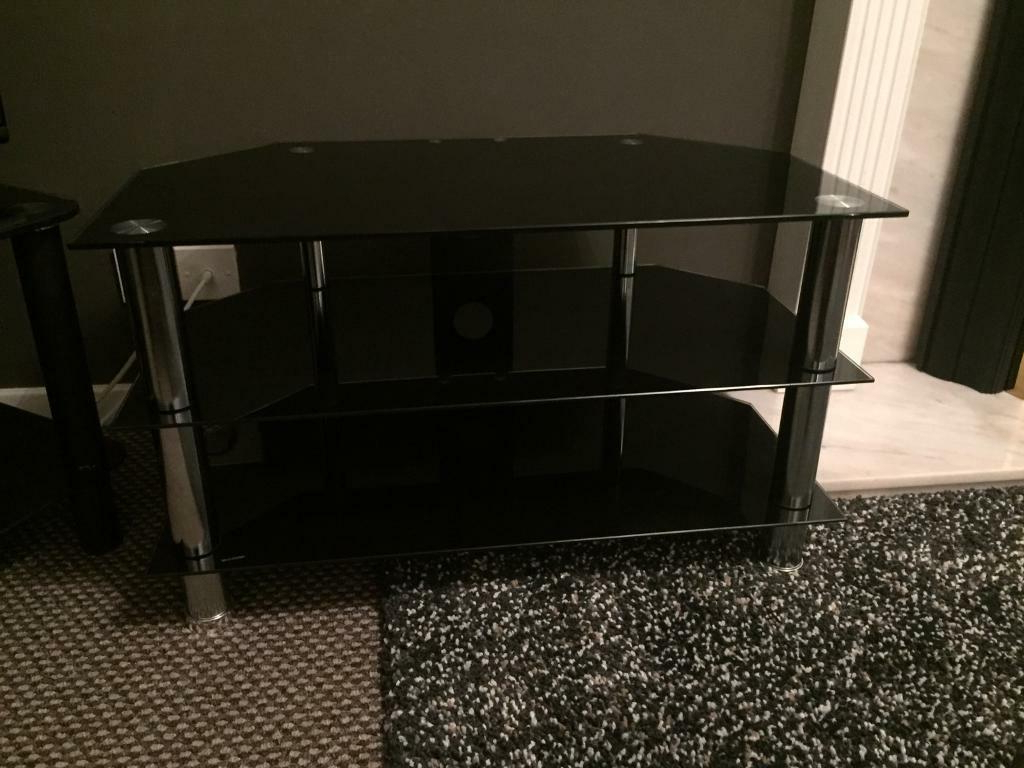 Black And Chrome Tv Stand For Tvs Up To 40 In (View 3 of 20)