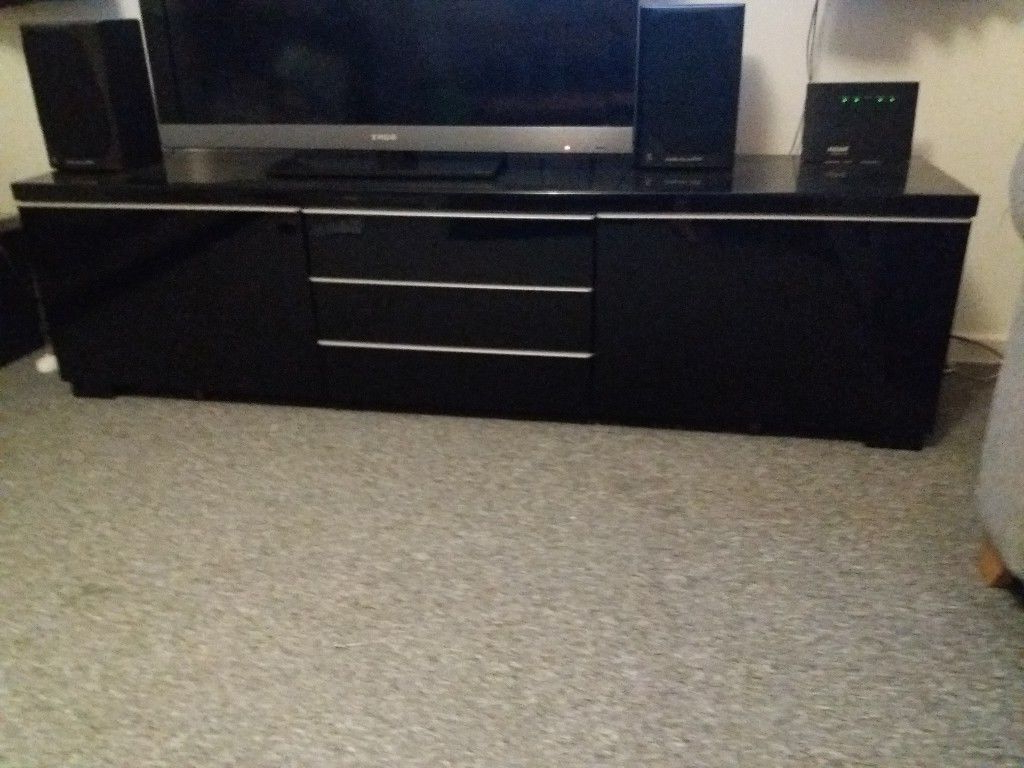Black Gloss Tv Cabinets For Newest Besta Ikea High Black Gloss Tv Stand And Cabinet (View 4 of 20)