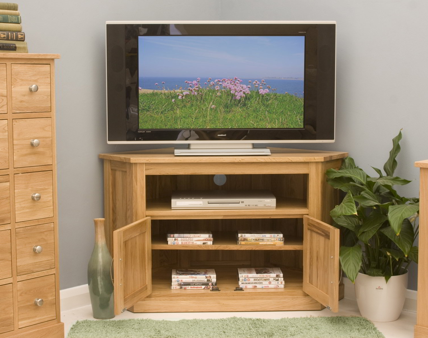 Conran Solid Oak Living Room Furniture Corner Television Cabinet Intended For Widely Used Solid Oak Corner Tv Cabinets (Gallery 19 of 20)