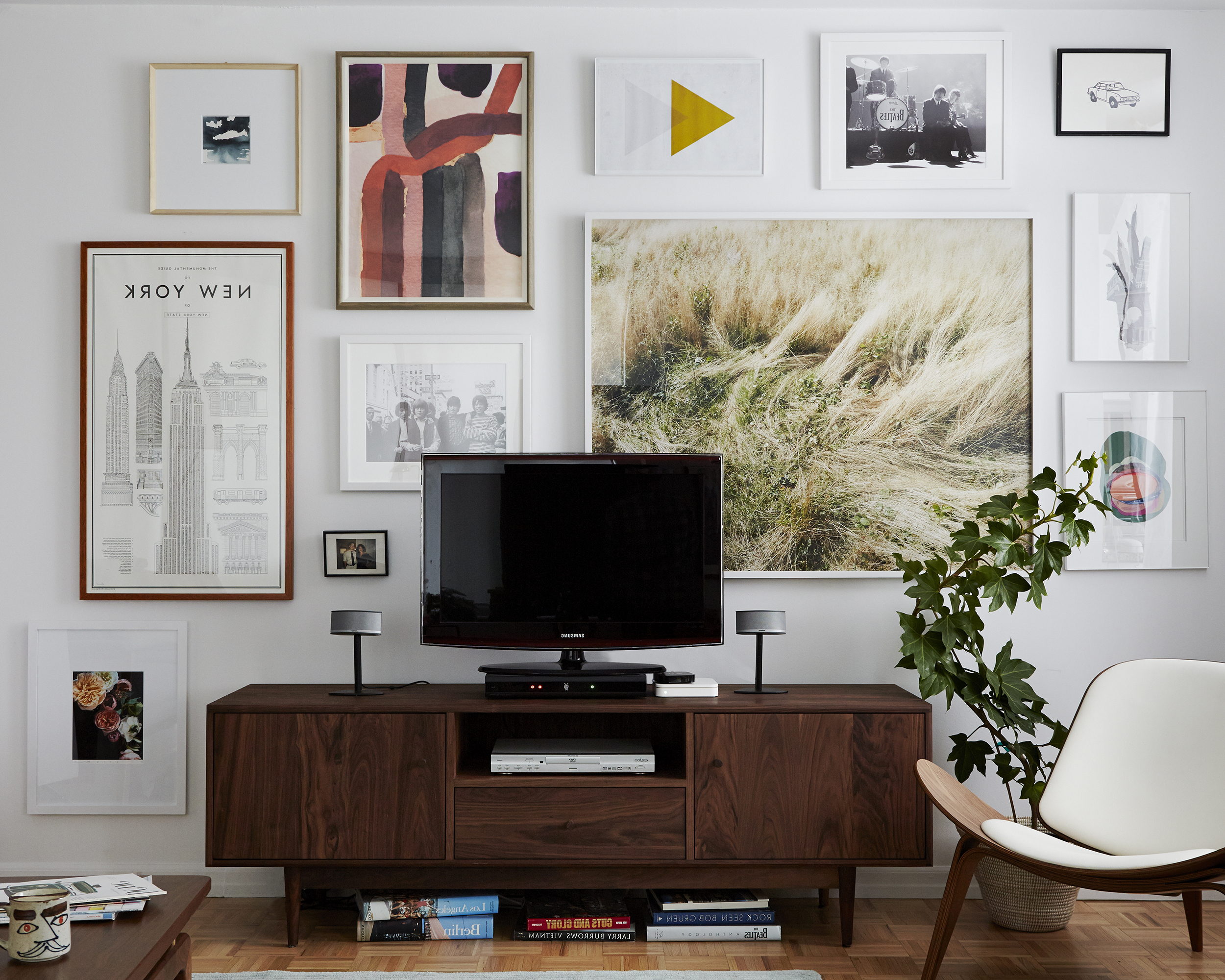 Designing With Your Tv + A Media Console Roundup – Emily Henderson In Trendy Living Room Tv Cabinets (View 4 of 20)