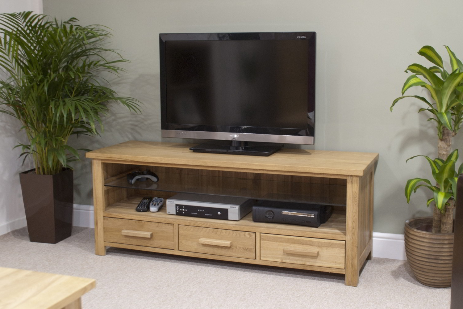 Eton Solid Oak Living Room Furniture Widescreen Tv Cabinet Stand In Most Current Oak Widescreen Tv Units (View 4 of 20)