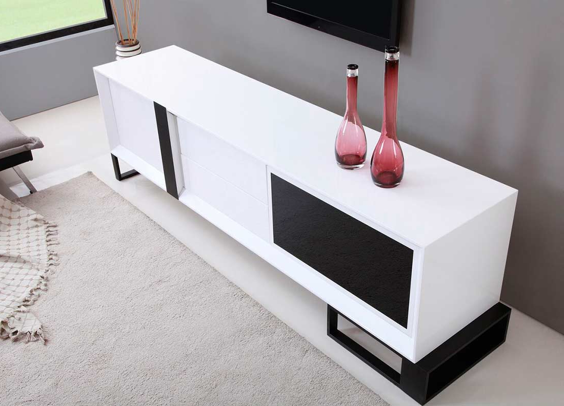 Extra Long Modern White Tv Stand Bm 36 (Gallery 17 of 20)