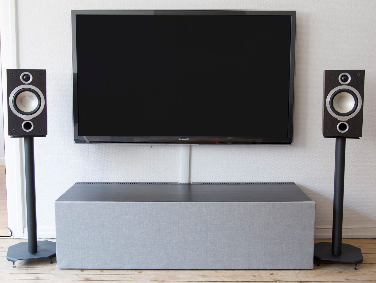 Fashionable Rectangular Tv Stands For Double Glass Doors On Ikea Tv Tv Stands Ikea For Rectangle Black (View 4 of 20)