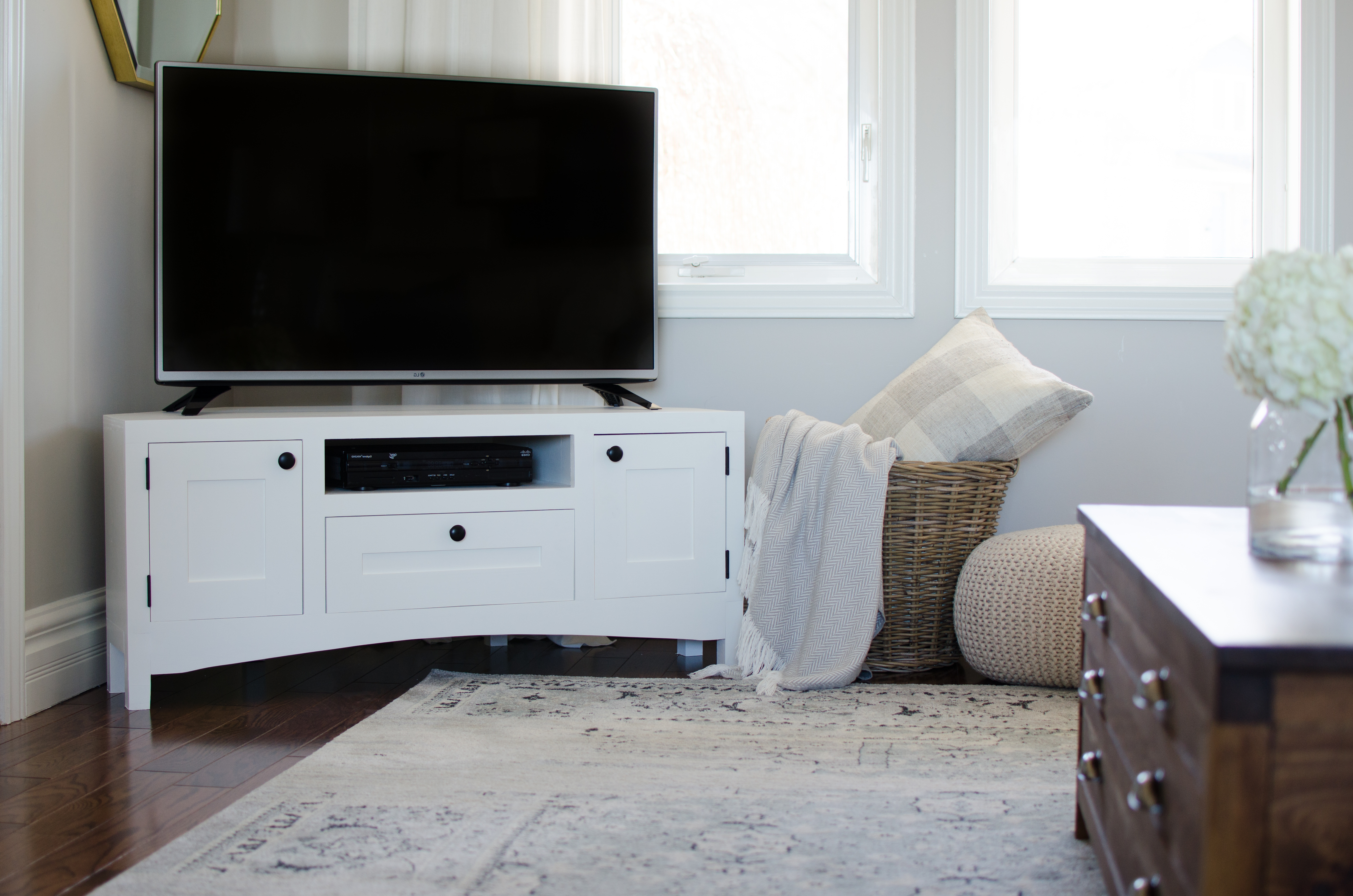 Free Plans – The Diy Hubs In Trendy Corner Tv Stands With Drawers (Gallery 16 of 20)