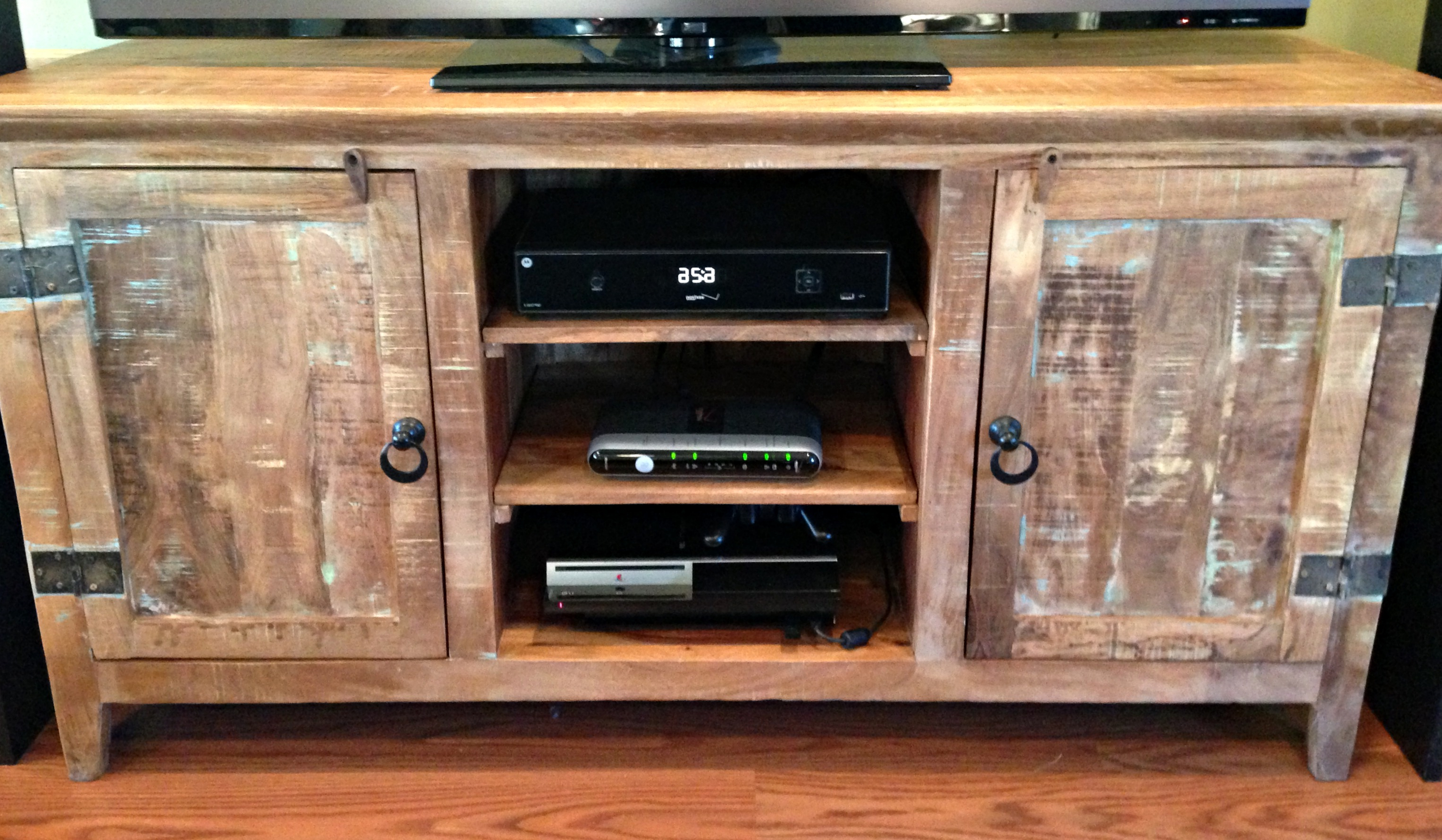 Furniture: Interesting Reclaimed Wood Tv Stand For Home Furniture Pertaining To Most Recent Rustic Wood Tv Cabinets (Gallery 12 of 20)
