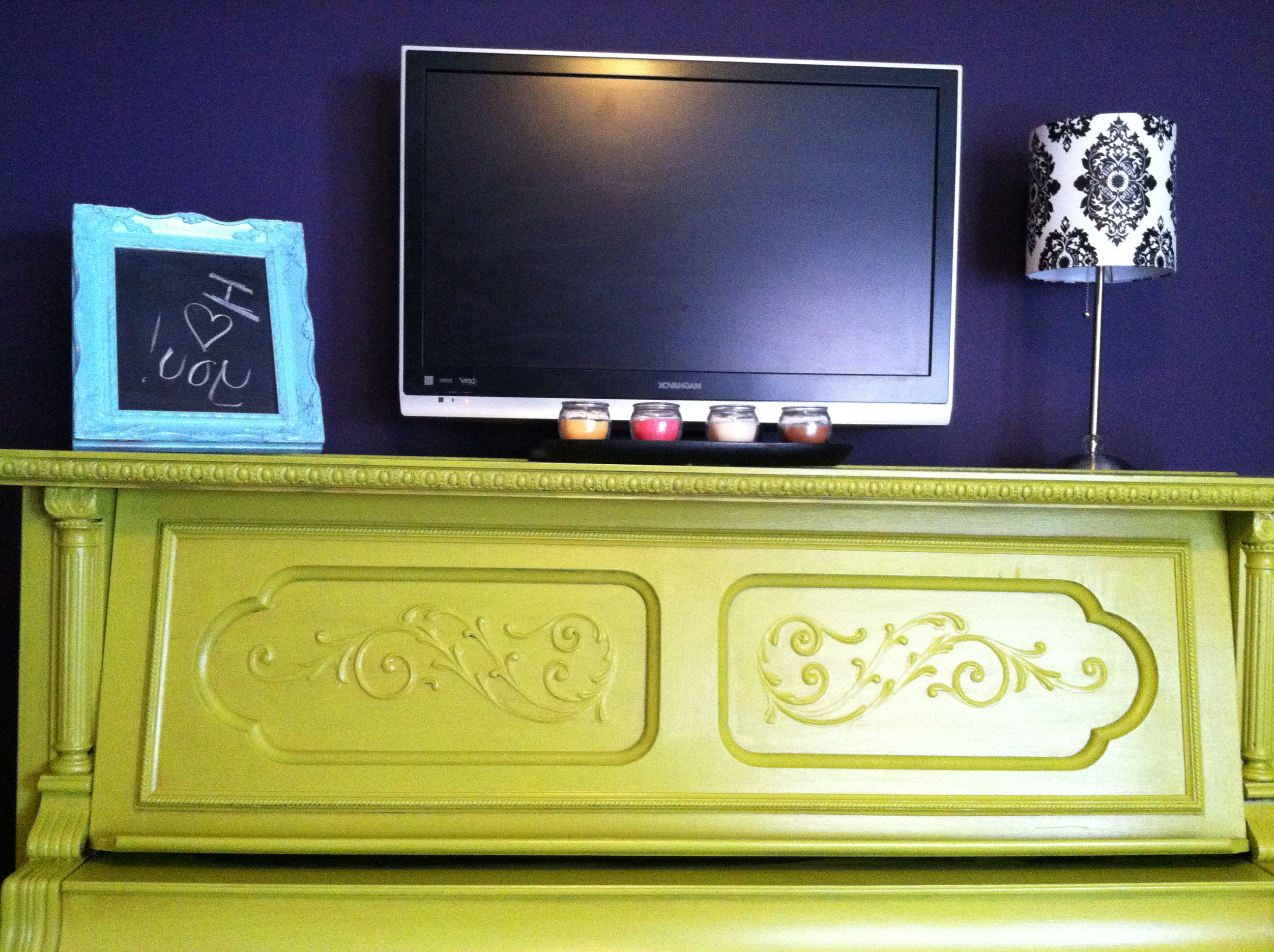 Geli's Goodies In Upright Tv Stands (View 5 of 20)