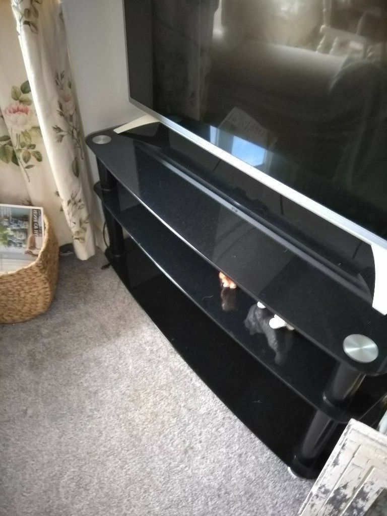 Gumtree Within Latest Tv Stands 40 Inches Wide (Gallery 19 of 20)
