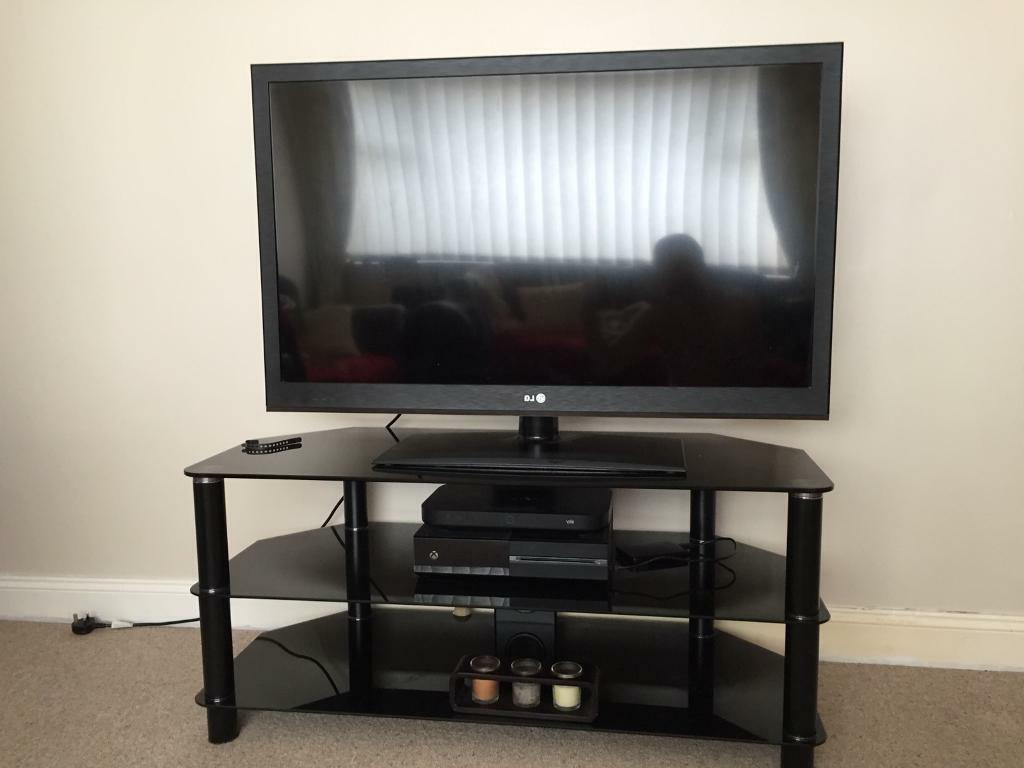 In Chester Le Street With Shiny Black Tv Stands (View 11 of 20)