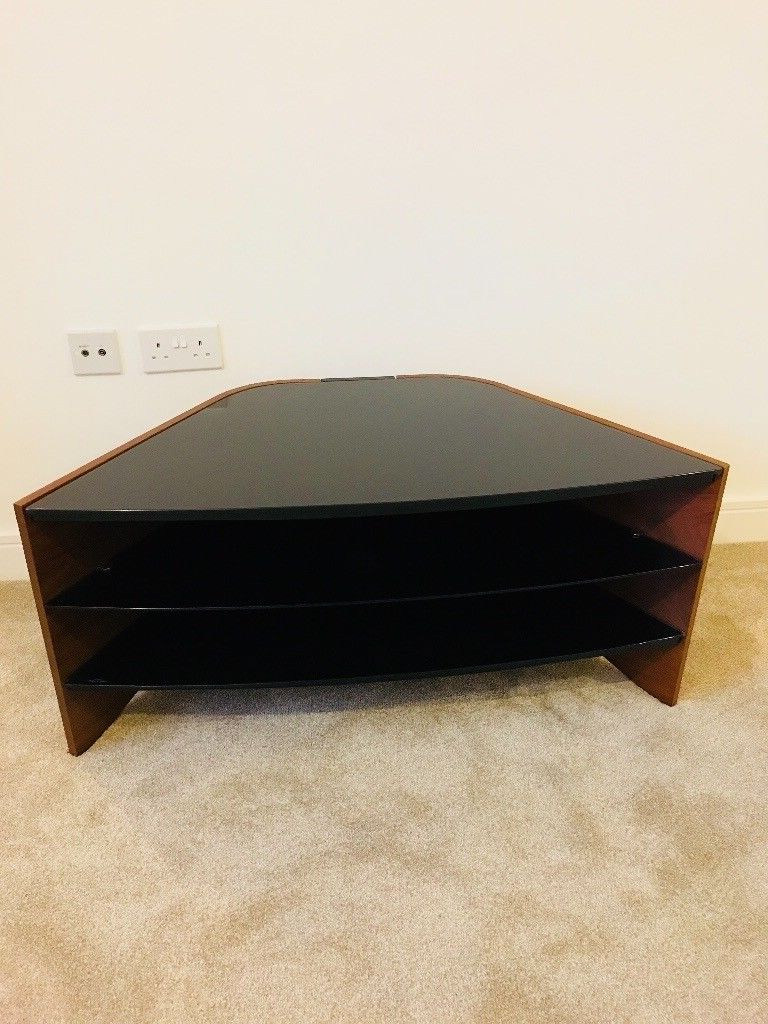 In North Finchley With Regard To Techlink Riva Tv Stands (Gallery 2 of 20)