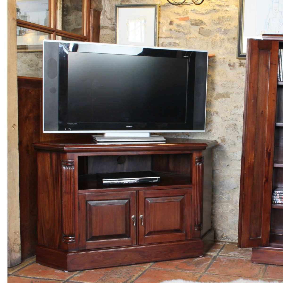 Latest Baumhaus La Roque Mahogany Corner Tv Cabinet Imr09B Intended For Mahogany Corner Tv Cabinets (Gallery 16 of 20)
