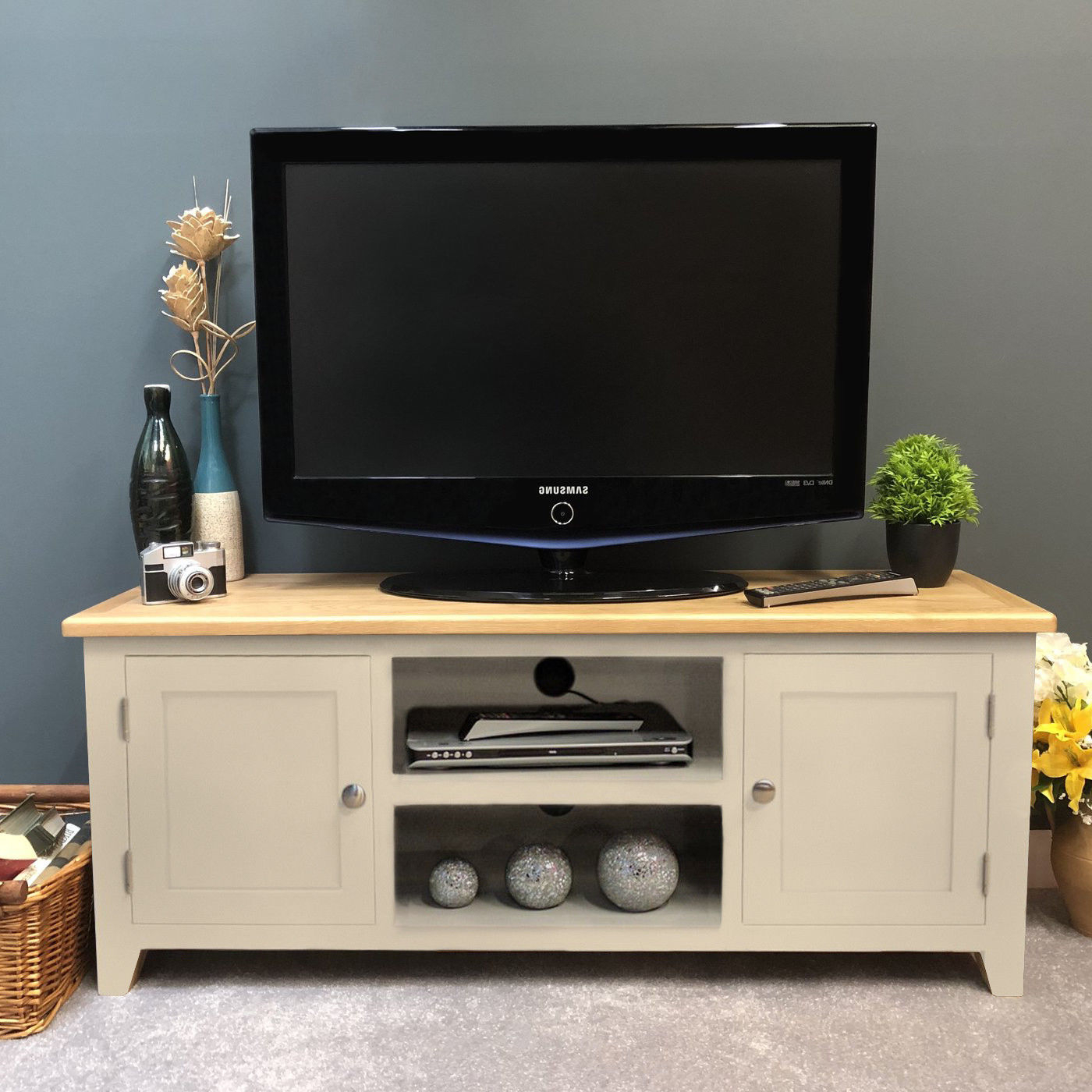 Lundey Painted Large Plasma Oak Tv Unit / Solid Wood / Cream Tv In Latest Hard Wood Tv Stands (View 12 of 20)