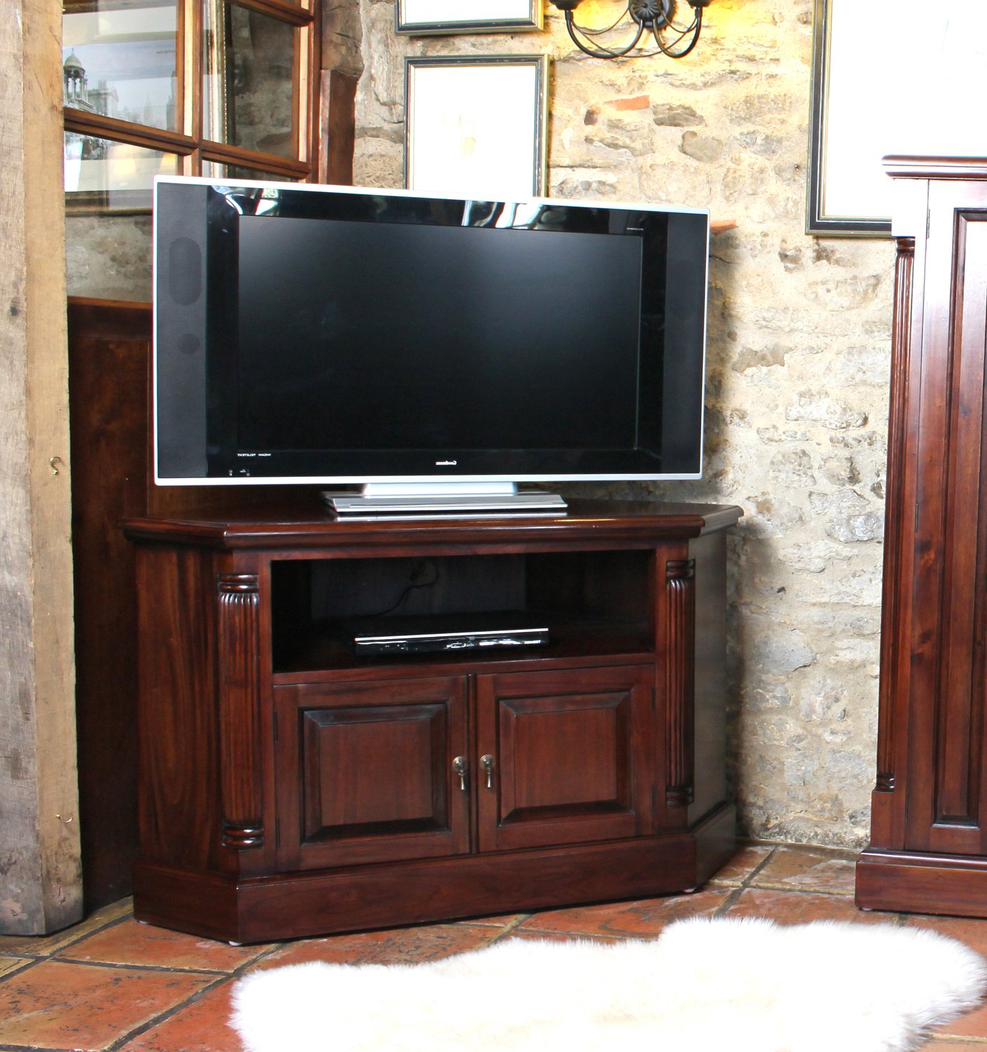 Mahogany Tv Cabinets Throughout Latest Baumhaus La Roque Corner Television Cabinet: Amazon.co (View 4 of 20)