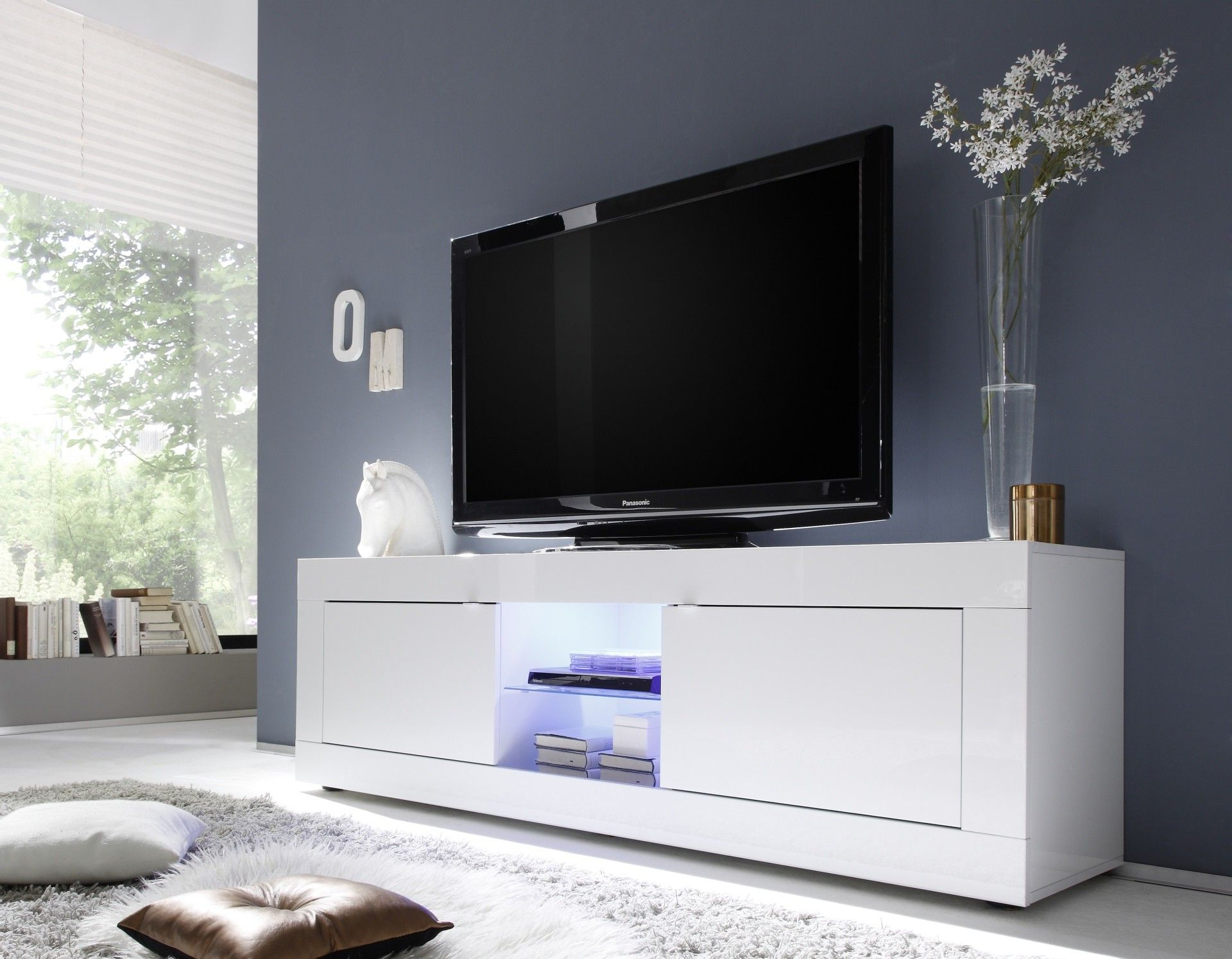 Modern White Gloss Tv Stands Regarding Best And Newest Dolcevita White Gloss Tv Stand (Gallery 8 of 20)