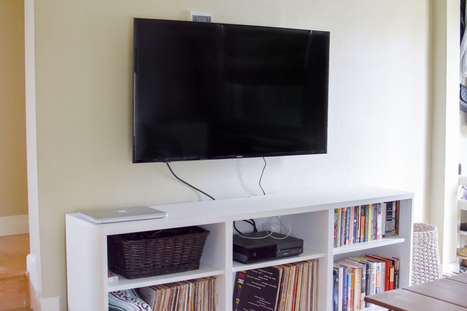 Most Popular 24 Inch Led Tv Stands Throughout The 8 Best Tv Wall Mounts To Buy In (View 16 of 20)
