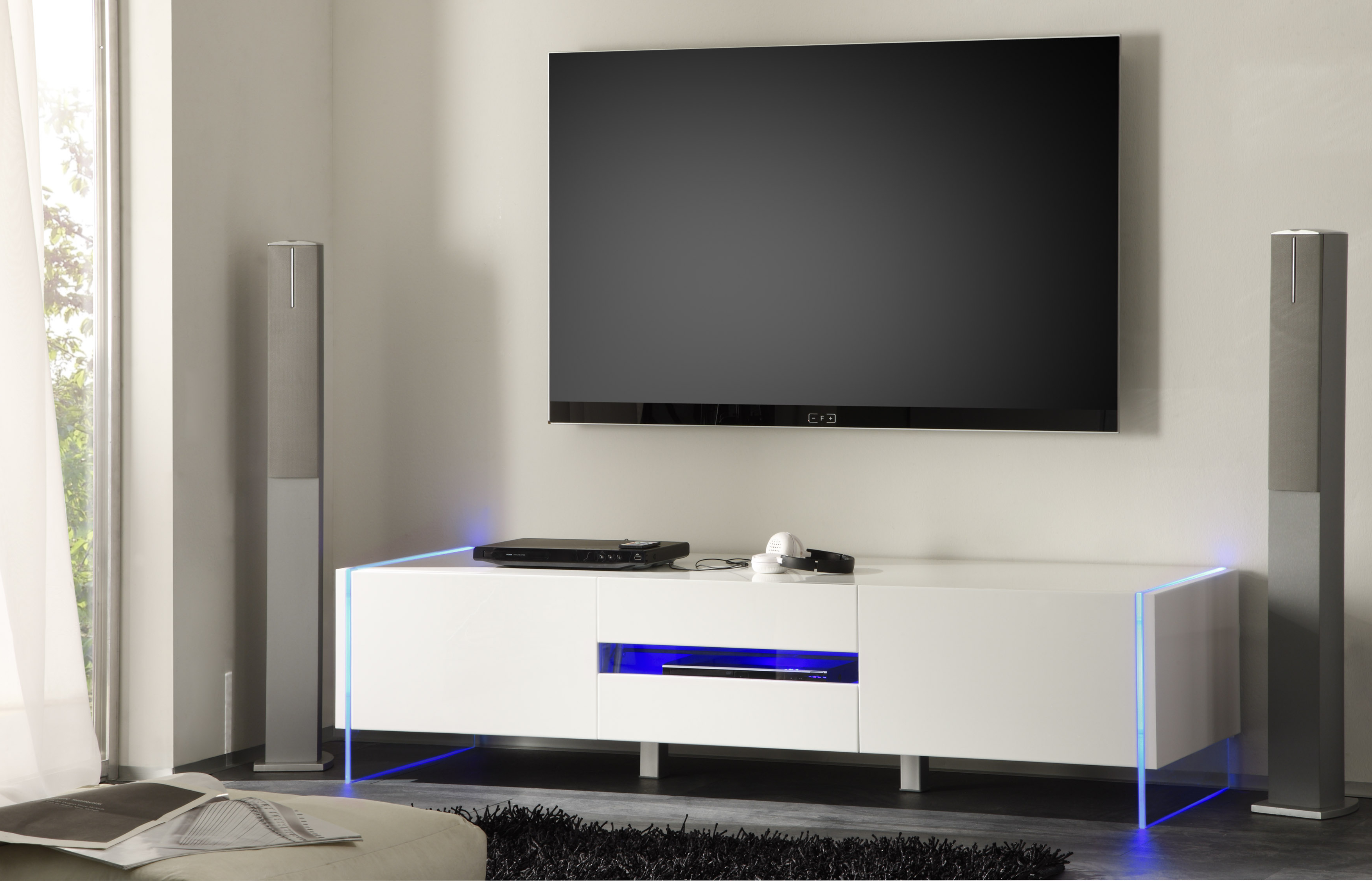 Most Popular Modern White Tv Stands Throughout Chic Contemporary White Glossy Tv Stand Base With Led Seattle (View 12 of 20)