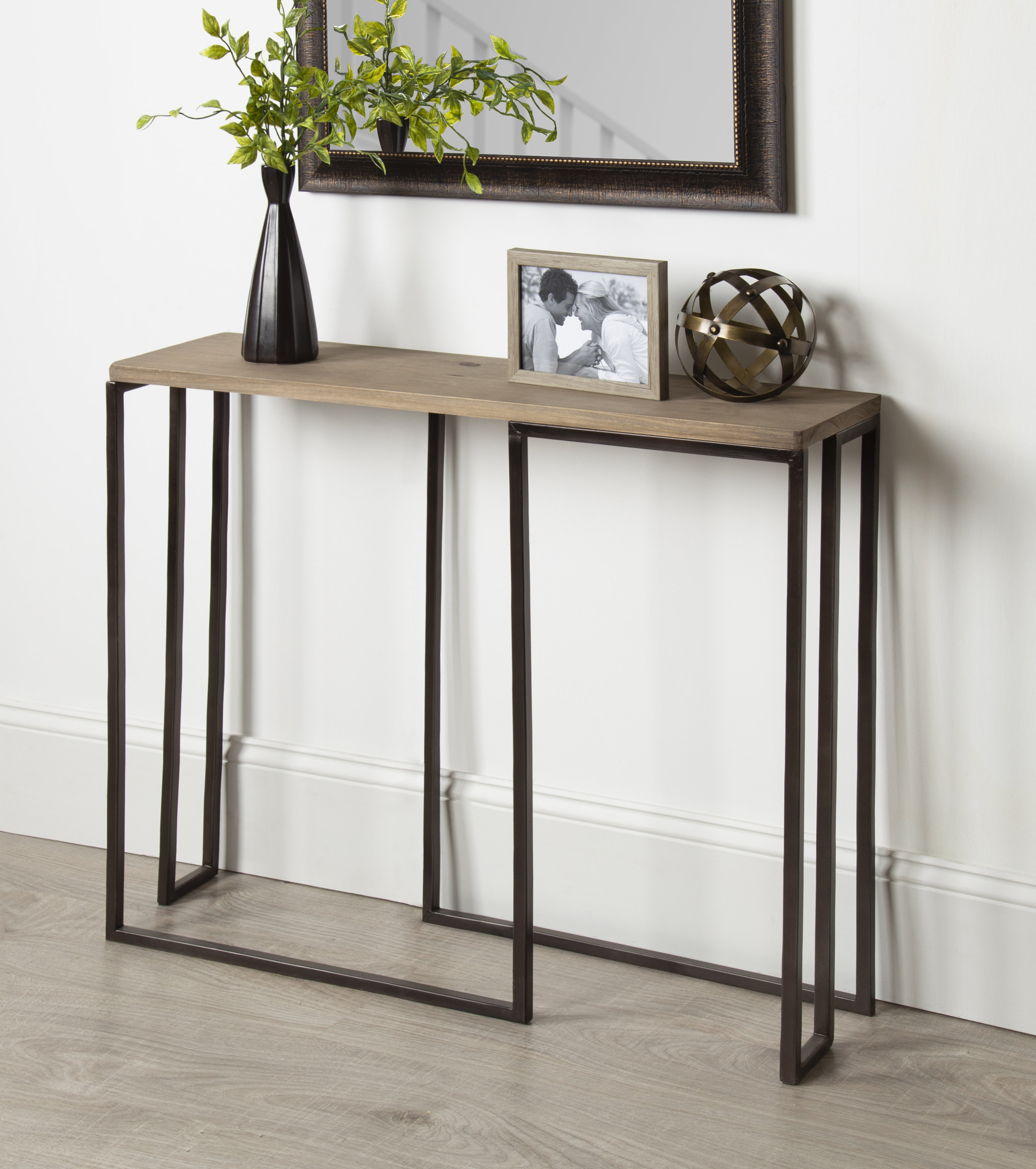 Most Popular Small Hallway Console Tables (View 13 of 20)