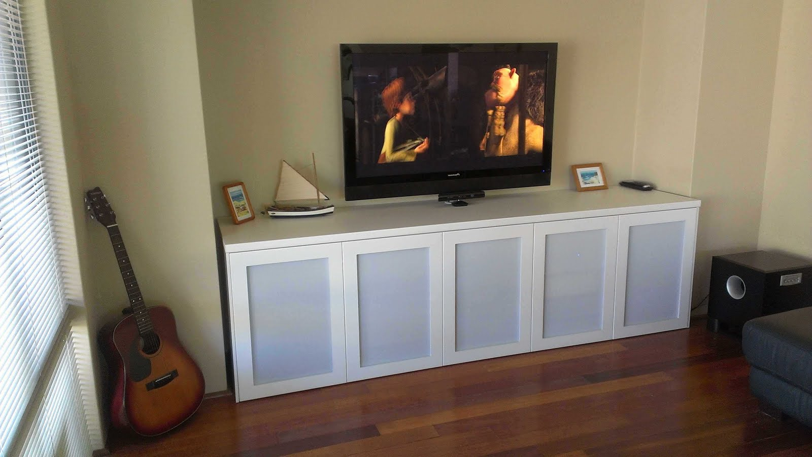 Most Popular White Tv Cabinets With Doors – Image Cabinets And Shower Mandra Regarding Long White Tv Cabinets (View 12 of 20)