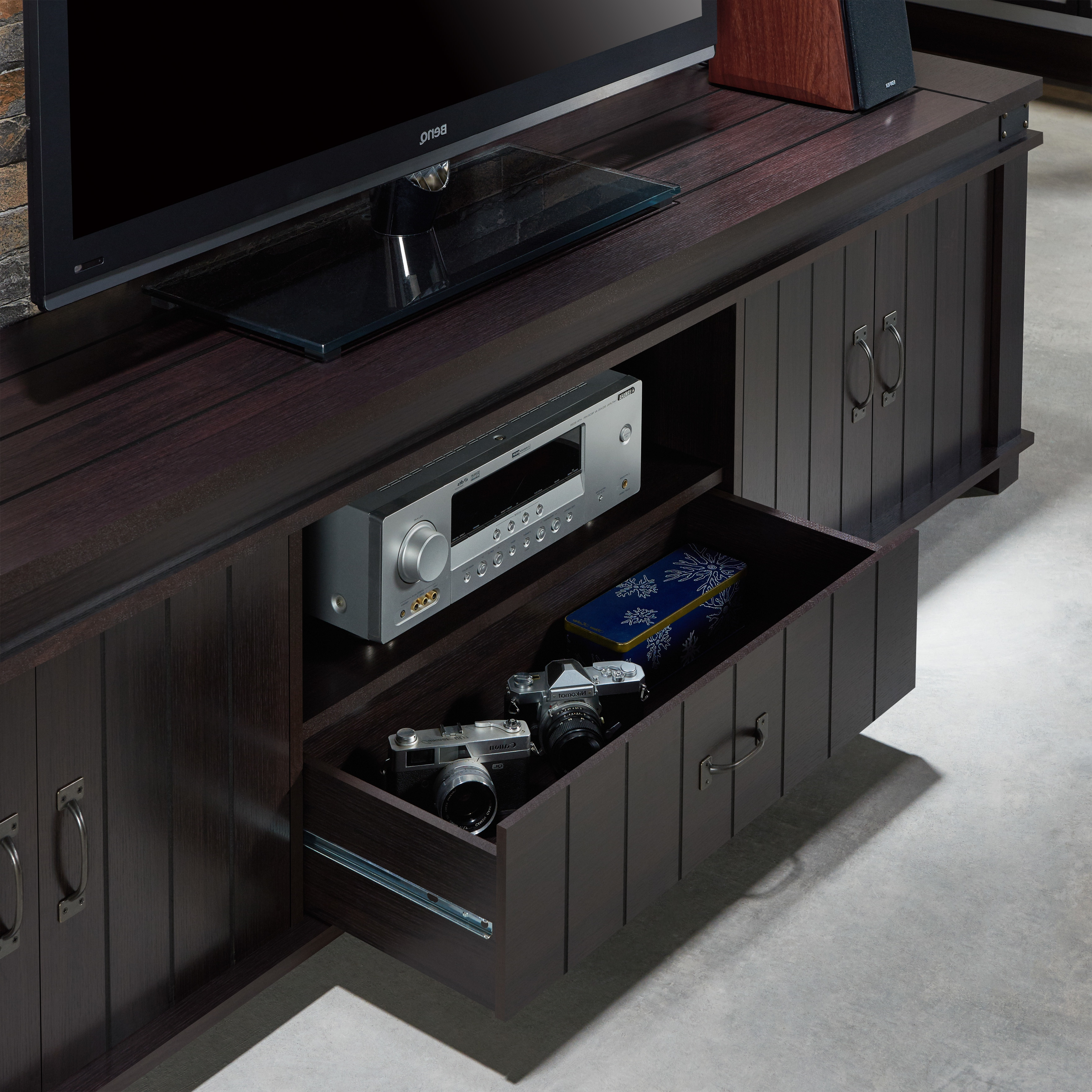 Most Recently Released Bale 82 Inch Tv Stands With 82 Inch Tv Stand (View 12 of 20)
