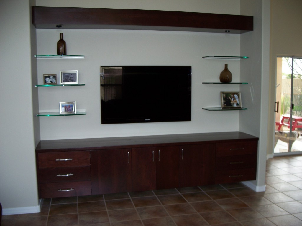 Nana's Workshop With Most Recent Console Tables Under Wall Mounted Tv (Gallery 16 of 20)